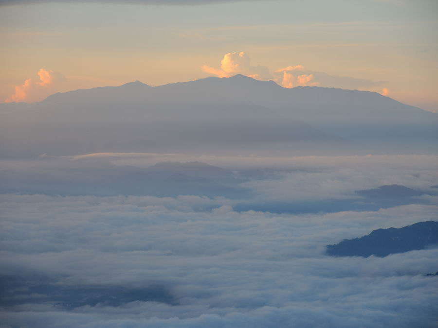 Облака в долине