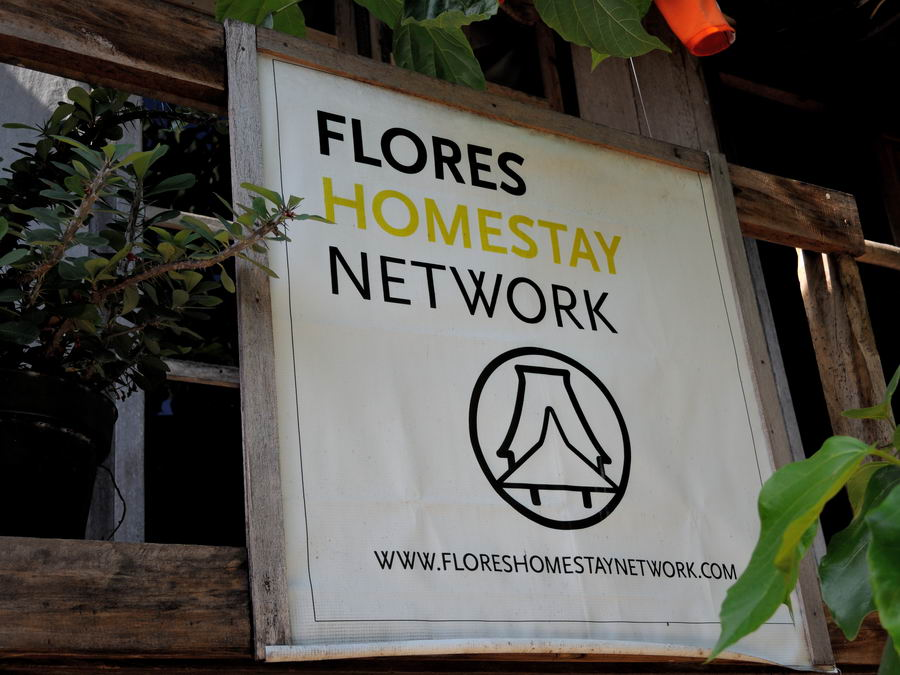Flores Homestay Network