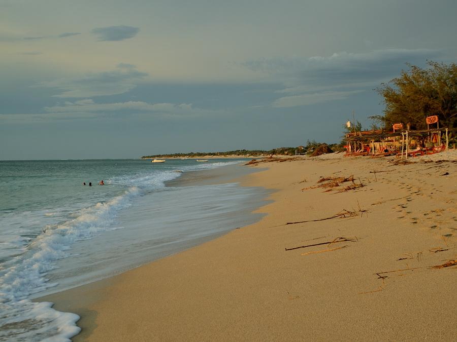 Пляж Анакао Анакао (Anakao) и остров Нуси Ве (Nosy Ve) на Мадагаскаре DSC 9339