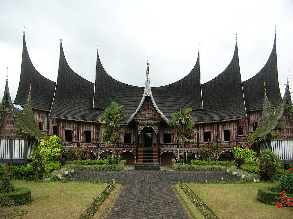Дворцы Минангкабау